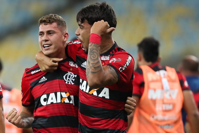 Flamengo derrota Botafogo, mas São Paulo também vence e ...