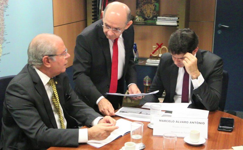 Ministro do Turismo libera recursos para revitalizar Beira Mar de ...